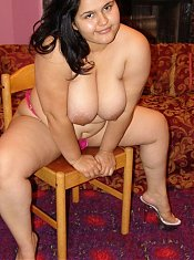 Exotic BBW beauty taking off her tops to unleash her big bouncy plump titties live