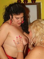Melinda Shy and Rosa are fat mature chicks having a nice lesbian pussy licking session