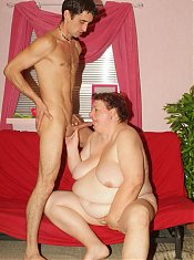 Explicit scene with a beautiful mature plumper named Agnes Eva seducing a younger guy