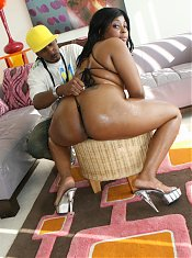 Chunky black model Gorgeous Glamourous joins us for a live cam show and rides a monster cock